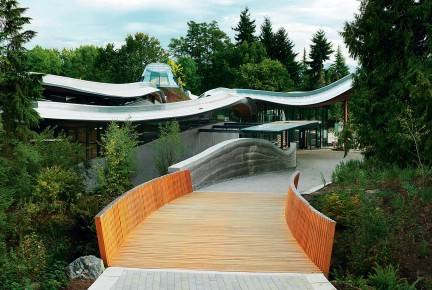 MONTECRISTO: VanDusen Botanical Garden Visitor Centre