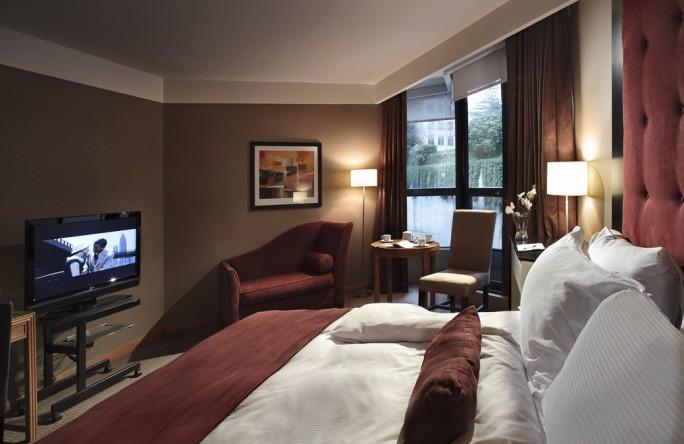 MONTECRISTO: Metropolitan Hotel Vancouver
