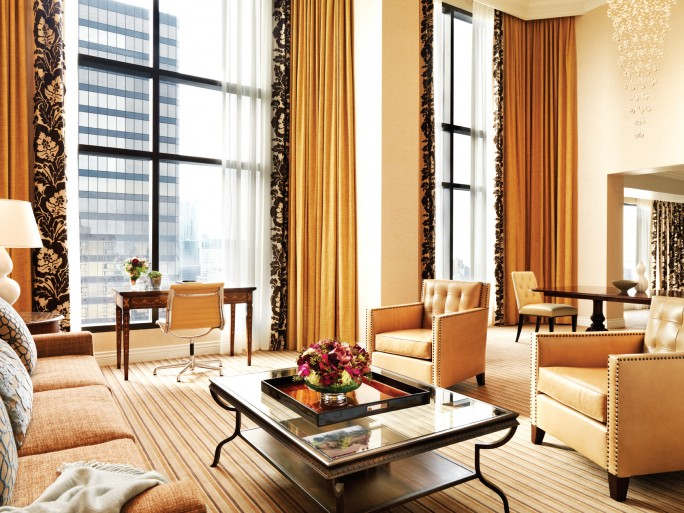 MONTECRISTO: Four Seasons Hotel Vancouver