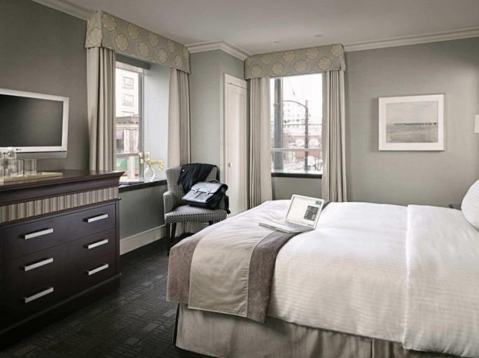 MONTECRISTO: St. Regis Hotel Vancouver