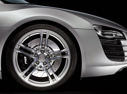 MONTECRISTO Magazine: The 2009 Audi R8 4.2 FSI