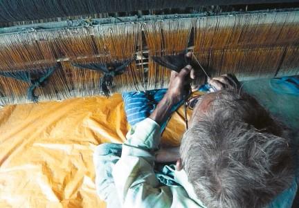 MONTECRISTO Magazine: Rajboori's Artisan Silk Weavers