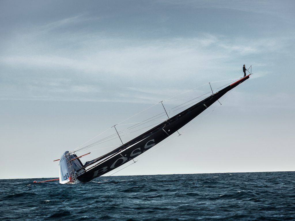 MONTECRISTO Blog: Alex Thomson's Mast Walk