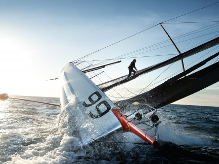 MONTECRISTO Blog: Alex Thomson's Mast Walk