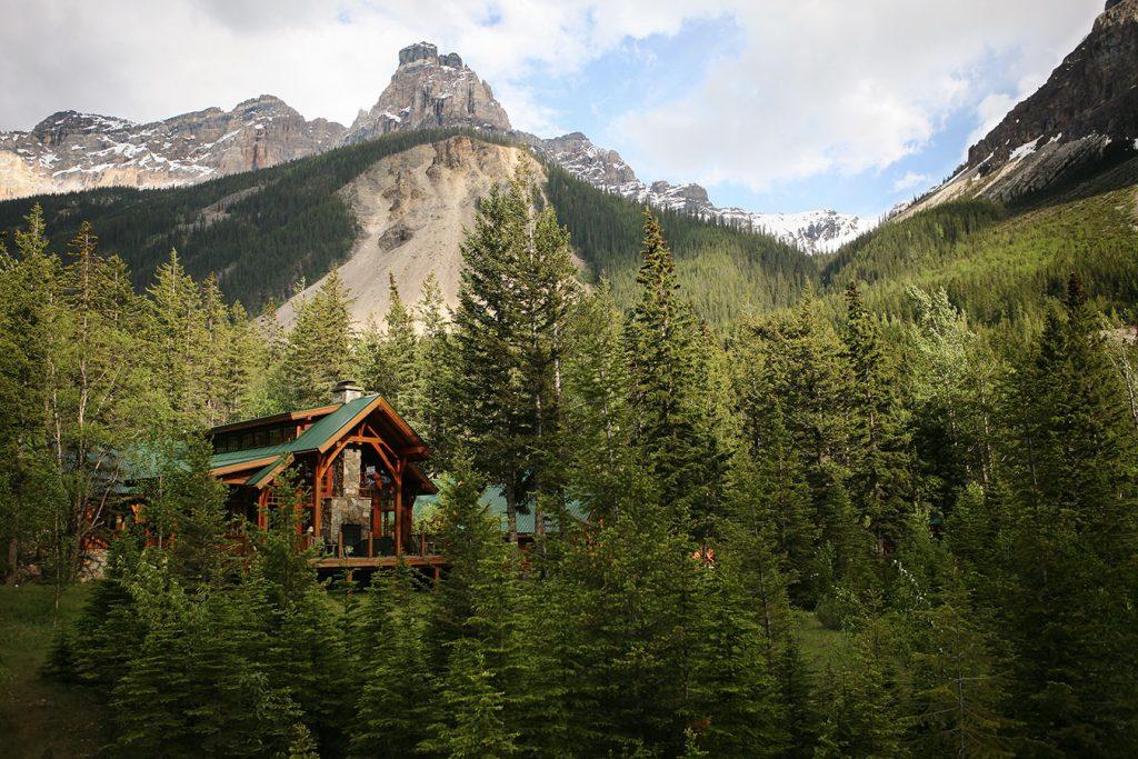 cathedral mountain lodge montecristo. Black Bedroom Furniture Sets. Home Design Ideas