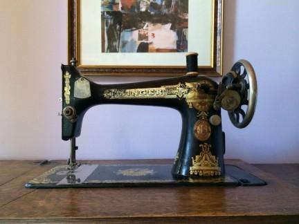 MONTECRISTO Blog: Collecting Antiques Prevail