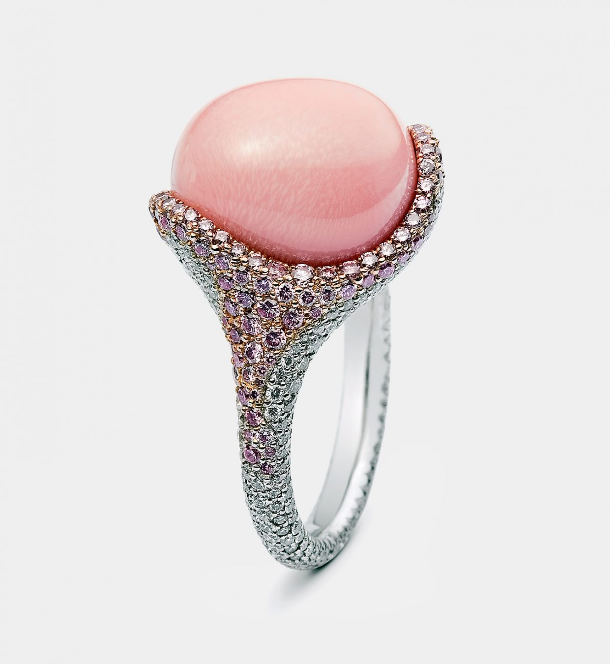 MONTECRISTO Magazine Spring 2015: Mikimoto Conch Pearls