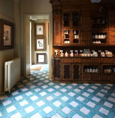 Perfumeries et Apothecaries