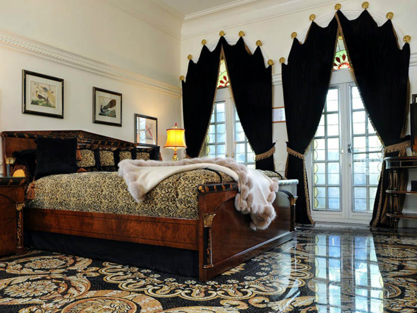 versace mansion miami montecristo. Black Bedroom Furniture Sets. Home Design Ideas