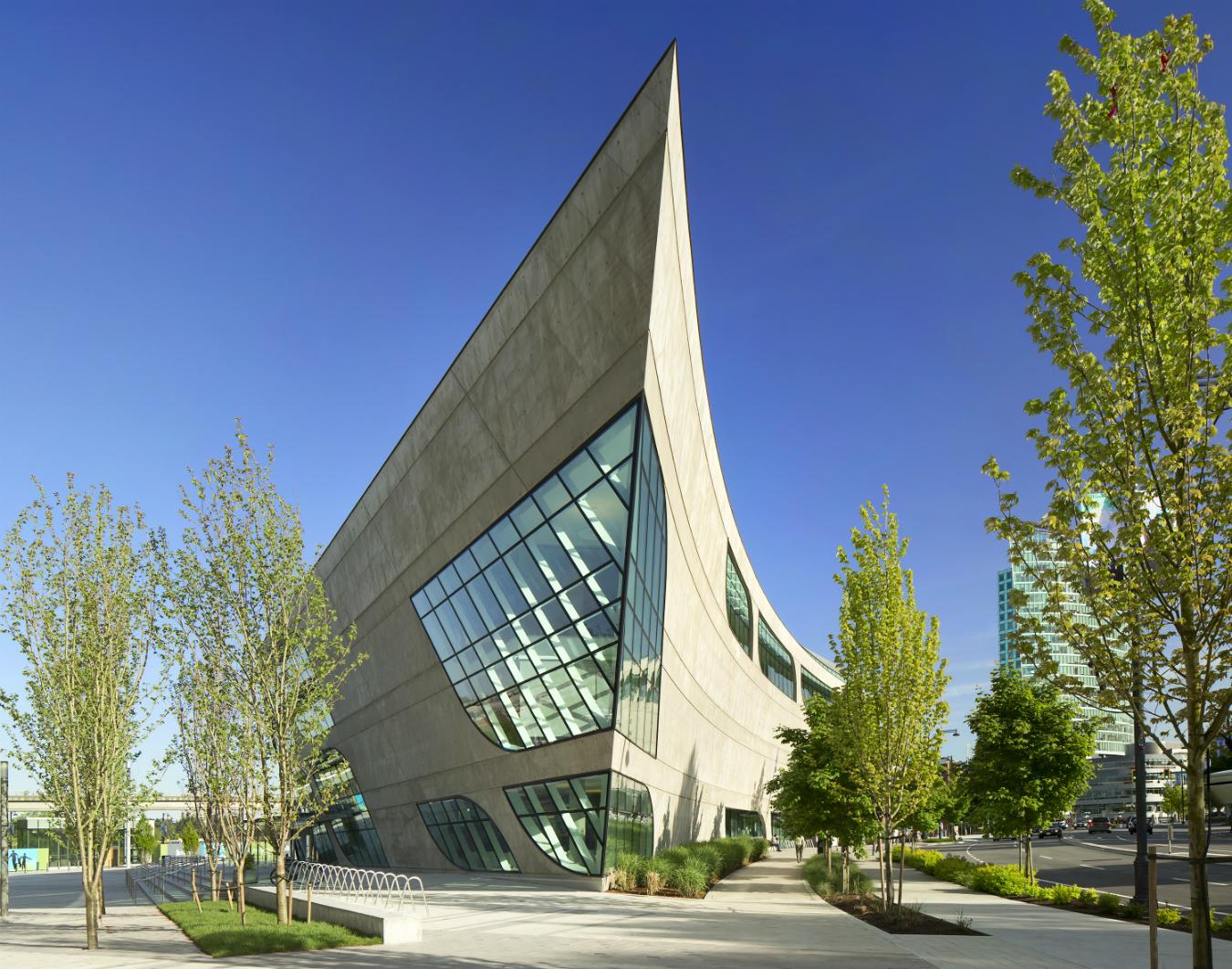 Bing Thom architecture. Surrey City Centre Library.