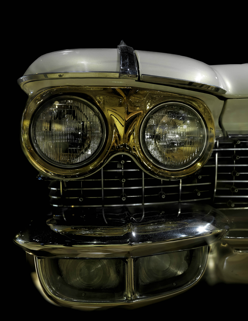 how country lovers and the gold cadillac The car (along with elvis's gold-plated cadillac limousine) is in the country music hall of fame in nashville mick buck, a curator, said the pontiac was one of the museum's biggest attractions.