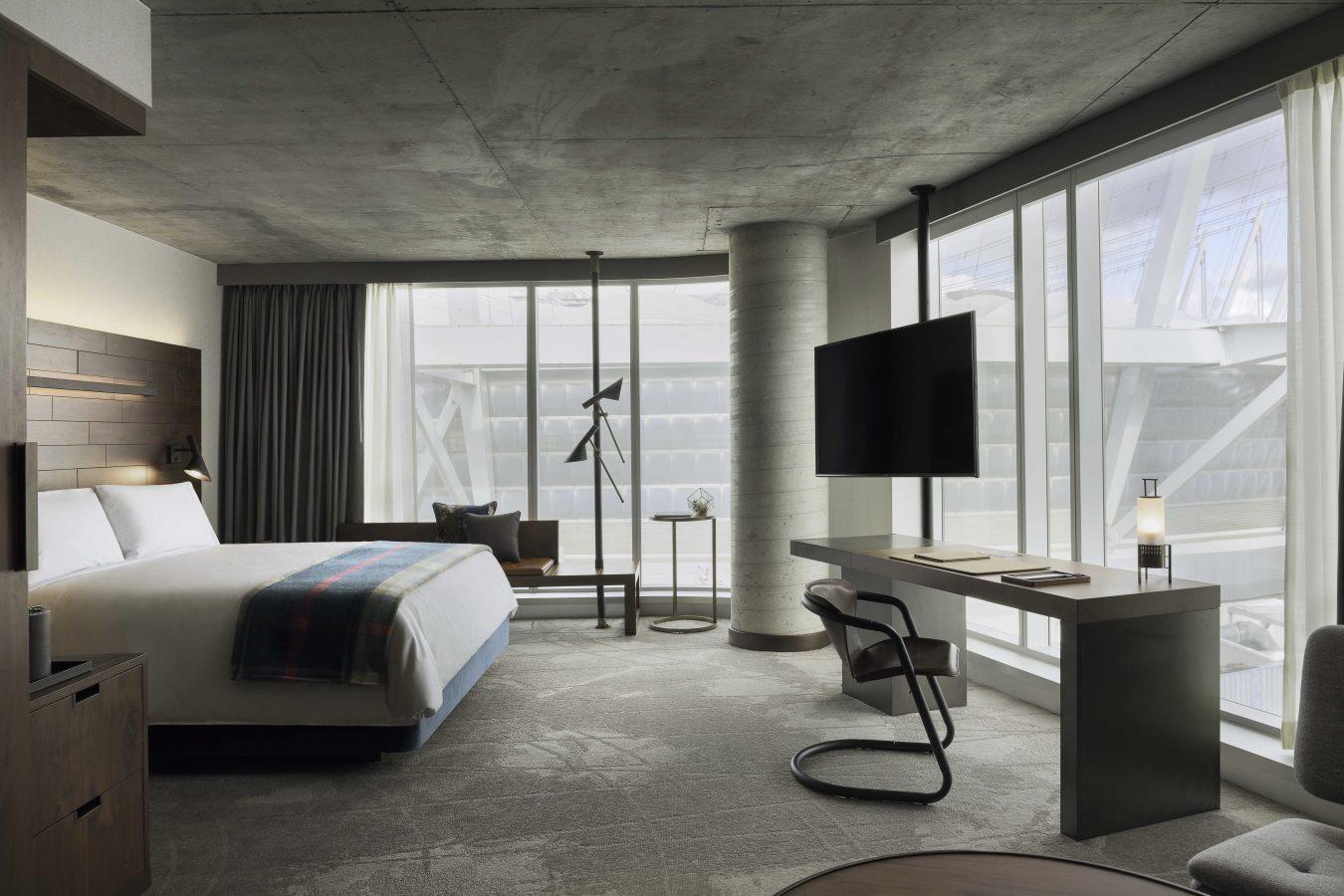 Parq vancouver montecristo for Design hotel vancouver