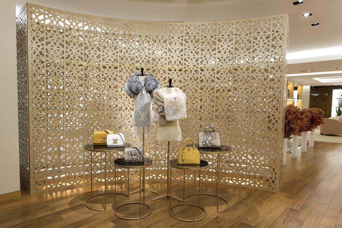 Savoir Faire At Louis Vuitton Vancouver Montecristo # Muebles Savoir Faire