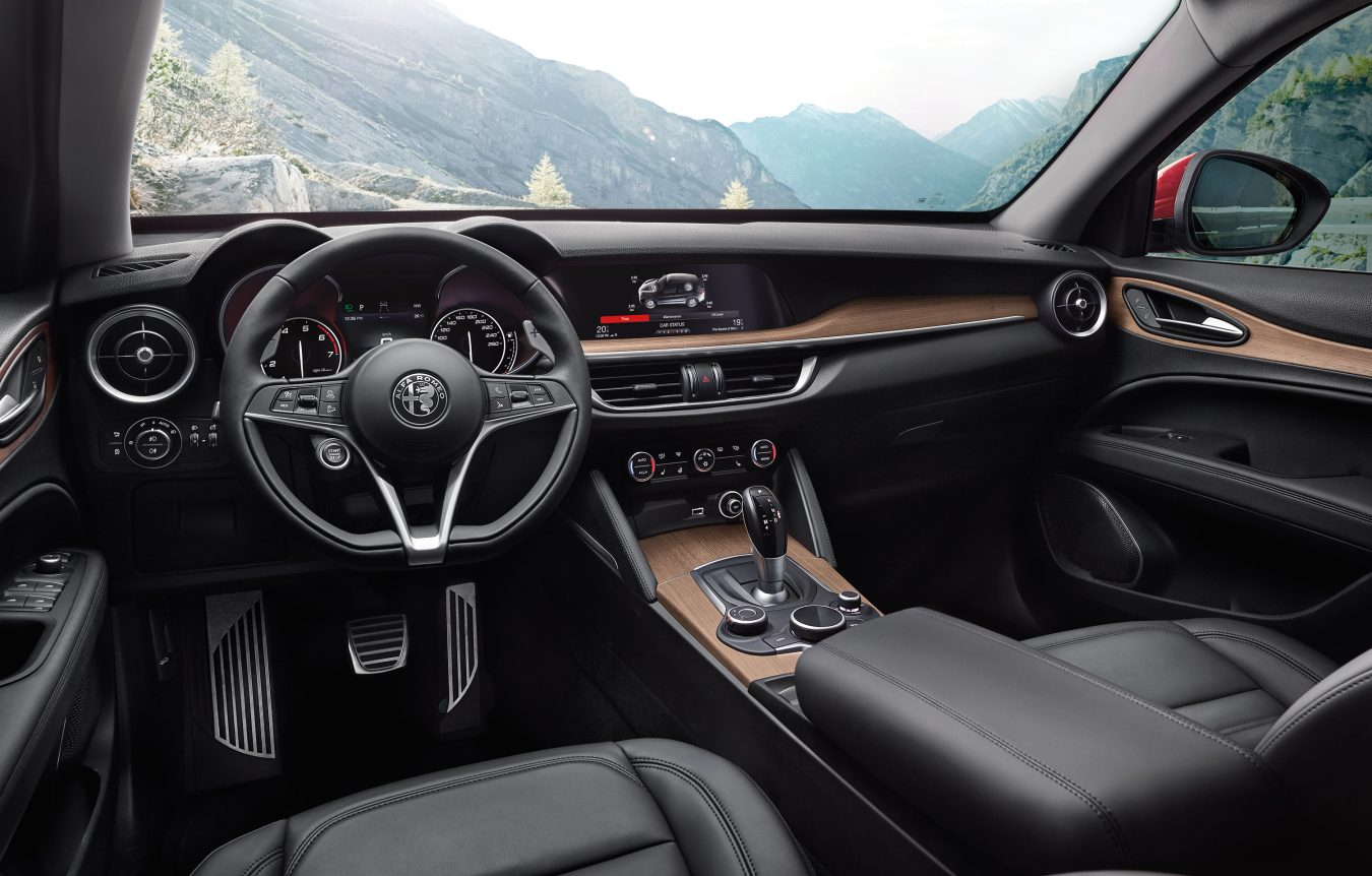Alfa Romeo Stelvio Montecristo Steering