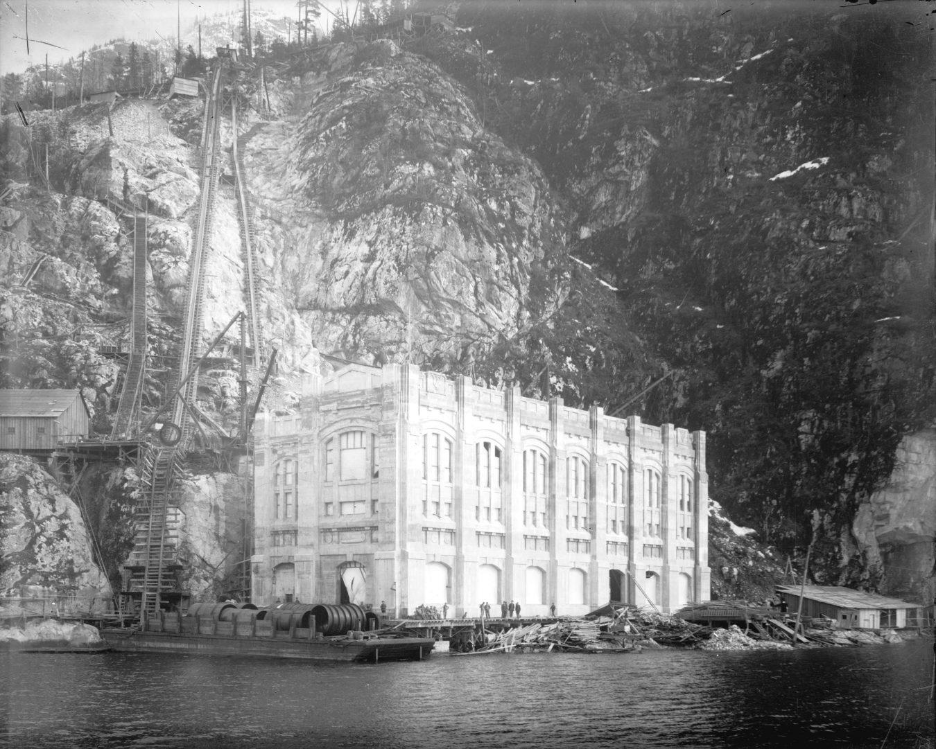 The Buntzen Lake Powerhouses | MONTECRISTO