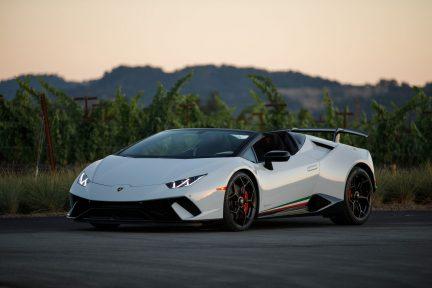Lamborghini 2018 Huracán Performante Spyder