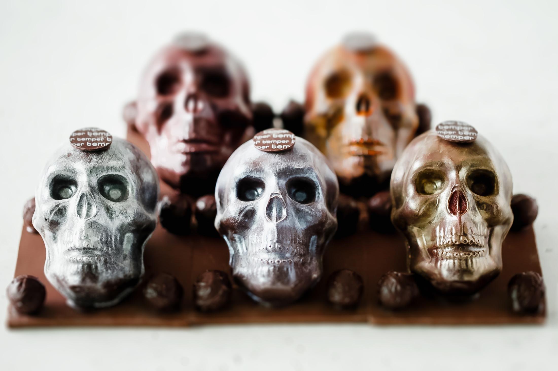 Temper Pastry Halloween Skulls