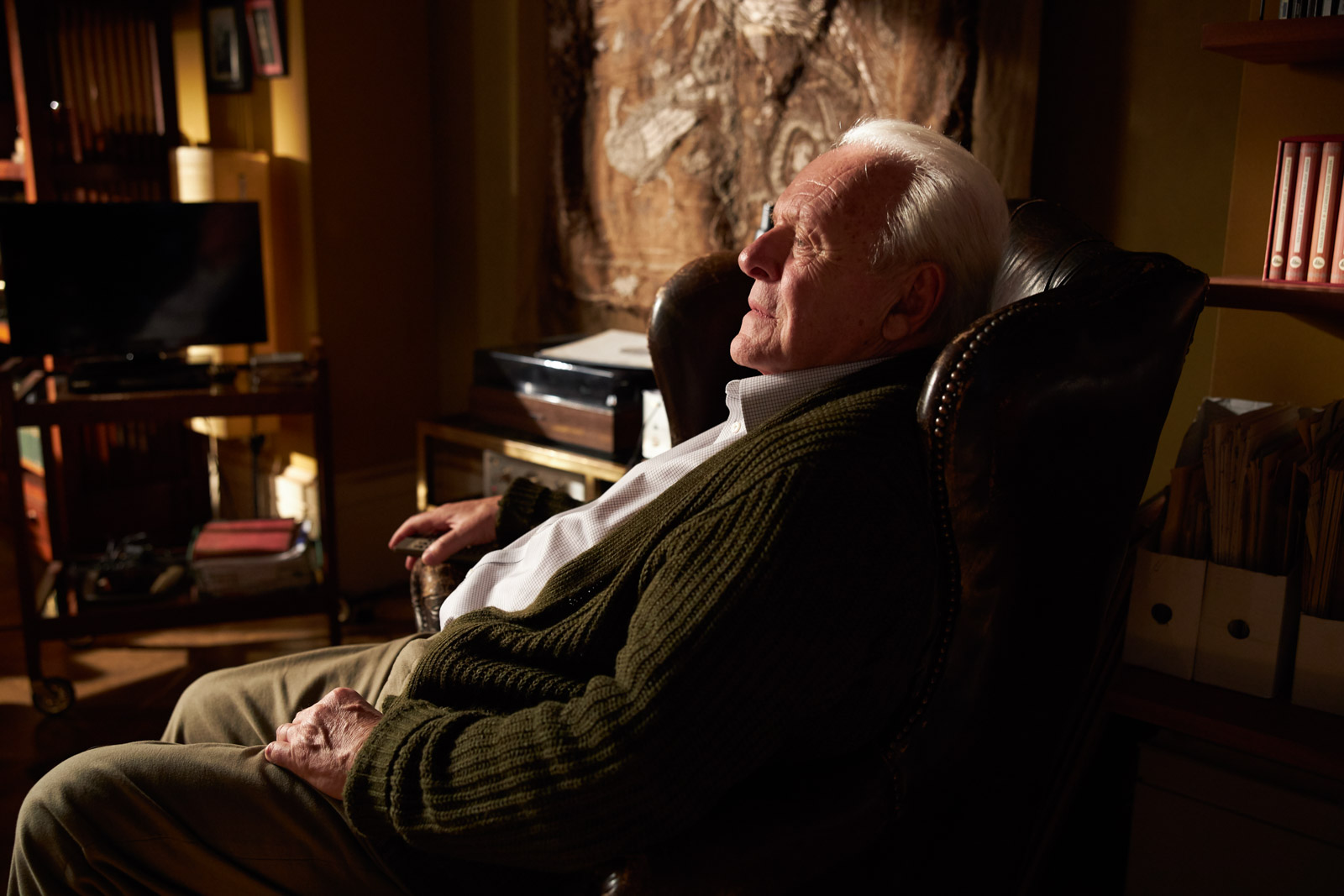 How Anthony Hopkins Has Remained the Great Hollywood Outsider