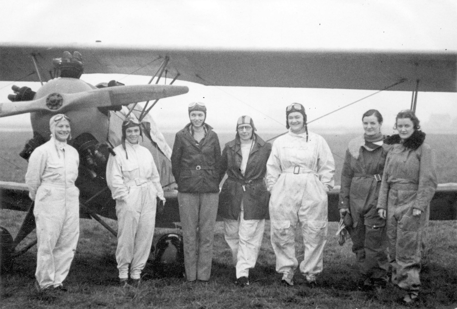 The Flying Seven Canadian women pilots